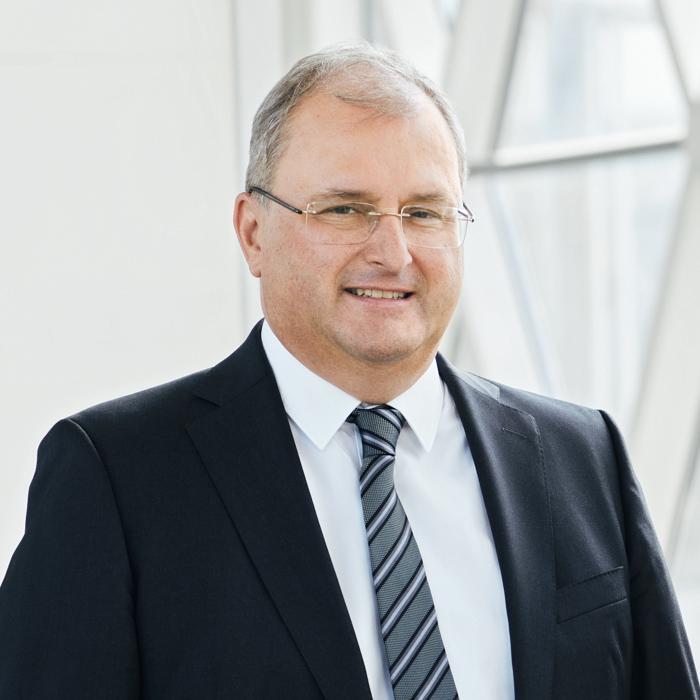 Portrait von Constantin Svoboda, Vorstand der LEGIAL