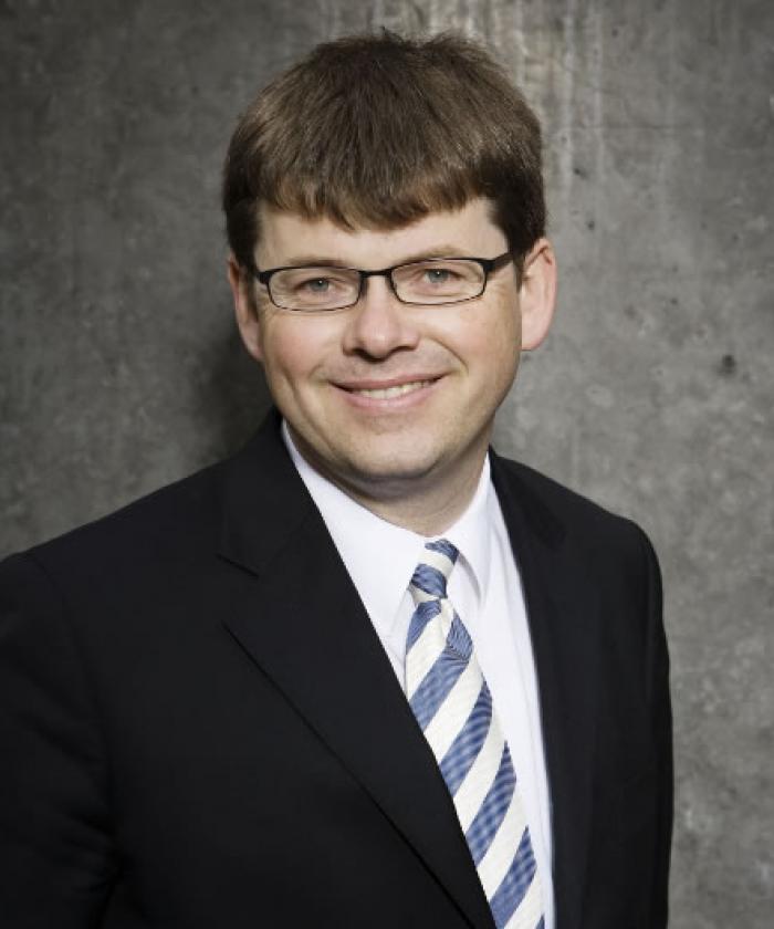 Portrait von Jörn Vinnen, Rechtsanwalt für Familienrecht, LEGAL IMAGE