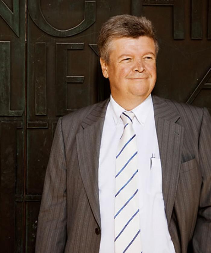 Portrait von Dr. Günther Heinicke, Rechtsanwalt für Handels- und Gesellschaftsrecht, LEGAL IMAGE