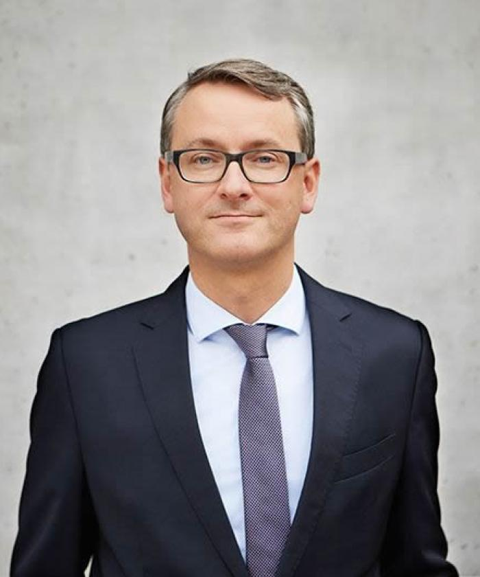 Portrait von Dr. Moritz Lorenz, Rechtsanwalt für Kartellrecht, LEGAL IMAGE