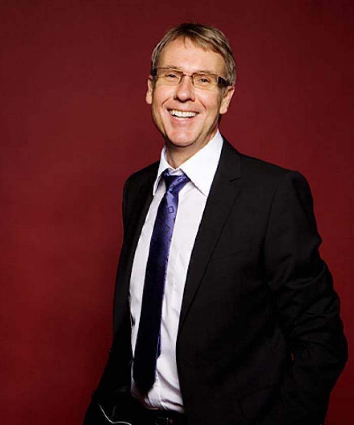 Portrait von Dr. Jörg Michael Ossenforth, Rechtsanwalt für Miet- und Wohnungseigentumsrecht, LEGAL IMAGE