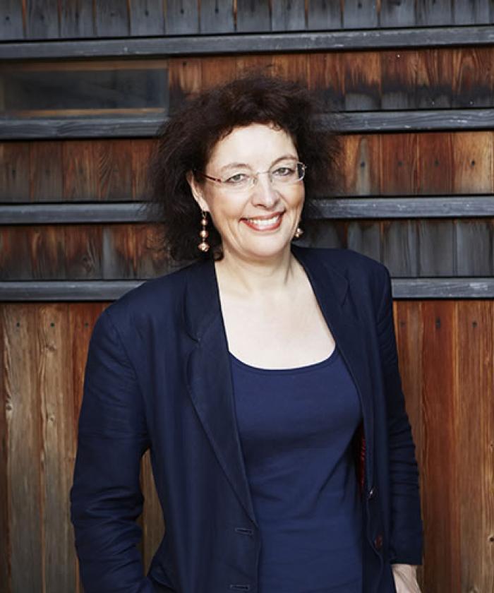 Portrait von Dr. Ruth Schultze-Zeu, Rechtsanwältin für Versicherungsrecht, LEGAL IMAGE